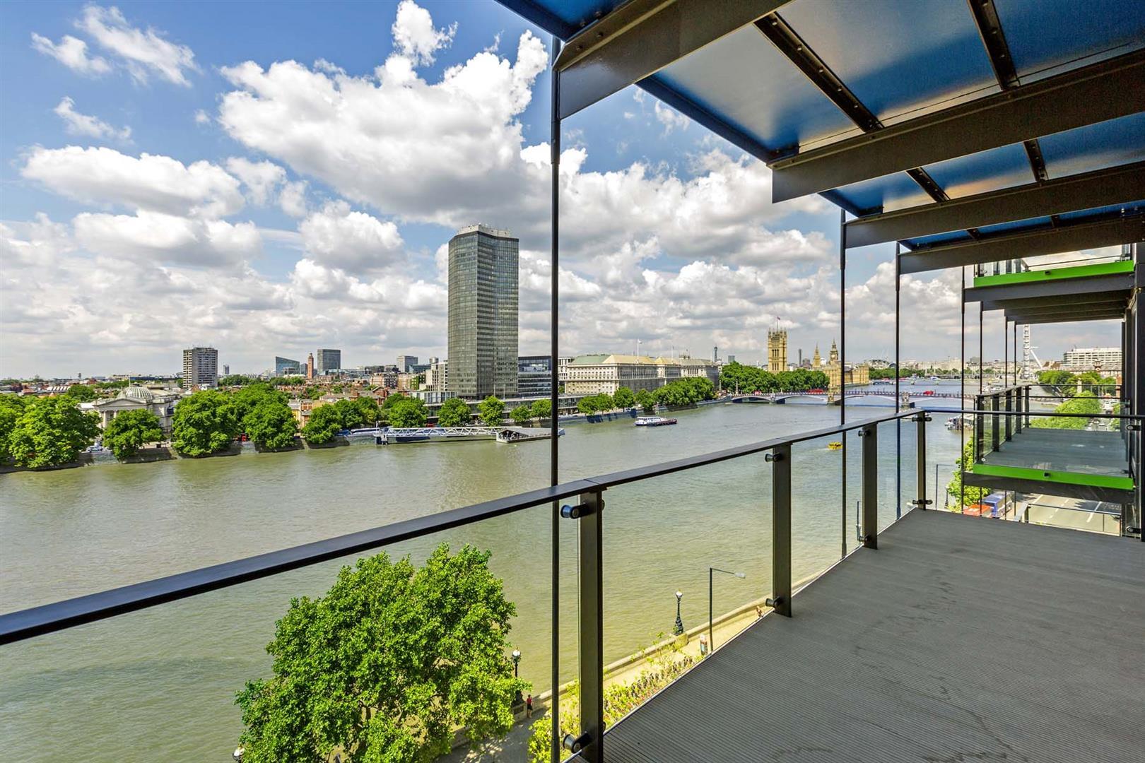 2 Bedrooms Flat for sale in Merano Residences, 30 Albert Embankment, Nine Elms, London SE1